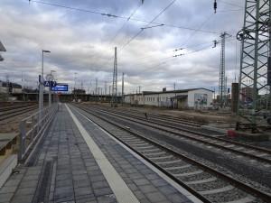 Bahnsteig 7-9 3