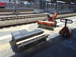 2019-07-04 AKR Mittelinsel zw. Gleis 6 und 8 (13)