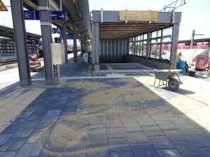 2019-07-04 AKR Mittelinsel zw. Gleis 6 und 8 (15)