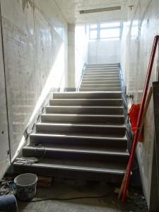 Tunnel Treppenaufgang zu Bstg.2-3