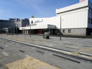 Vorplatz Eingangsbereich Bahnhof2